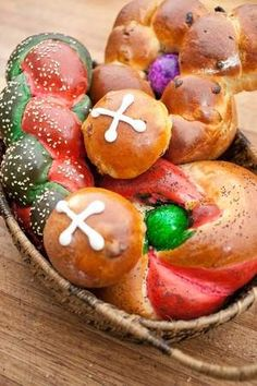Easter bread basket: Traditional recipes rise to holiday occasion (from the Lansing State Journal)
