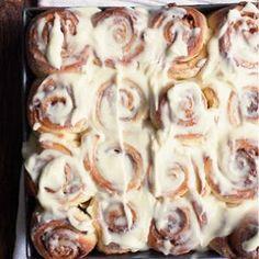 Gooey Cinnamon Rolls Recipe | Yummly