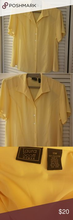 Laura Scott blouse This blouse is like new. It has shoulder pads. It is a great work blouse. Laura Scott Tops Button Down Shirts