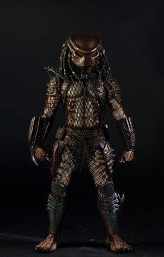 Predator Costume, Predator Helmet, Alien Vs Predator, Arnold Schwarzenegger, Angry Wolf, Black Panther Art, Alien Concept, City Hunter, Mortal Kombat