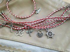 Minola Handmade: Bratari martisor VANDUTE Hand Crafts, Romania, Projects To Try, March, Brooch, Personalized Items, Elegant, Bracelets, Blog