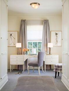 nice grey dressing room