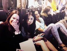 Holly Marie Combs - Lucy Hale - Shay Mitchell & Troian Bellisario