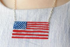 DIY 4th of July : DIY Painted Acrylic Flag Necklace