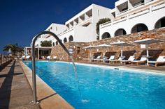 Hotel Perrakis welcomes you in Andros, on a perfect location near two beautiful beaches, on Kypri Bay. Get to know a unique Cycladic island. Pool Bar, Greece Islands, Beach Bars, Beautiful Beaches, Swimming Pools, Lounge, Outdoor Decor, Airport Lounge, Pools
