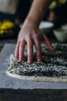 Λαγάνα, το αγαπημένο επίπεδο ψωμί - Teti's flakes Pasta With Octopus, My Recipes, Favorite Recipes, Bread Ingredients, Dry Yeast, Flakes, Food Print, Greek, Lent