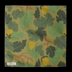 LEAF CAMO PRINT SATIN WEAVE POCKET SQUARE IN GREEN