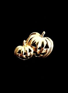 Vintage 1980s Pumpkin Jack-o-lantern Gold Tone Metal Halloween Small Cut Out Pin by TheGemmary on Etsy
