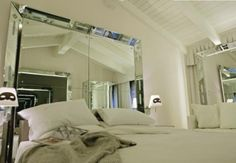 The World's Top 10 Amazing Mirrored Beds