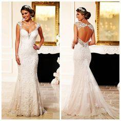 #vencanice LILLA #stellayork #mgny #ellarosa #tarikedizwhite #weddingdress #weddingdresses #bridalgown by vencanicelilla