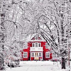 Calor de hogar Casa roja