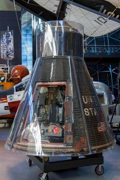 Gemini VII capsule - Steven F. Udvar-Hazy Center - Wikipedia Pete Conrad, Bill Bradley, Project Gemini, C Ops, Michael Collins, Nasa History, Space Museum, Business Class, Jukebox