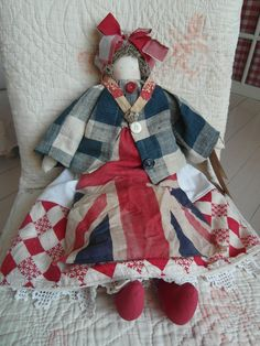 All of the items I made for the Vintage & Handmade Spring Fair, can be seen on my main blog here . Niki x
