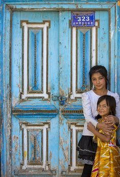 souls-of-my-shoes:    Kashgar Uyghurs kids, Xinjiang China  [by Eric Lafforgue]
