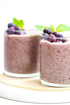 Low Carb Blueberry Yogurt Smoothie Low Carb Drinks, Low Carb Smoothies, Yogurt Smoothies, Yummy Smoothies, Healthy Drinks, Eating Healthy, Low Carb Greek Yogurt, Low Carb Protein Powder, Vanilla Yogurt