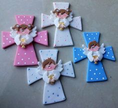 Cross ángel and chalice Clay Crafts, Diy And Crafts, Baptism Decorations, Baptism Favors, Cat Party, Adult Crafts, Air Dry Clay, Illustrations And Posters, Scrapbook Paper Crafts