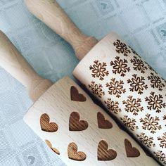 Ready for Valentines?😍😍#håndlaget #treverk #kjevler #kjevle #vinterbakst #bakst #valentines #baking #interiør #kake #kaker #kjøkken #sweets #kjeks #oppland #gjøvik #lovebaking #tilsalgs #facebook #hygge #hyggehome #hjem #cookies #hjerte #vintermotiv #hyggeting Napkin Rings, Home Decor, Decoration Home, Room Decor, Home Interior Design, Napkin Holders, Home Decoration, Interior Design