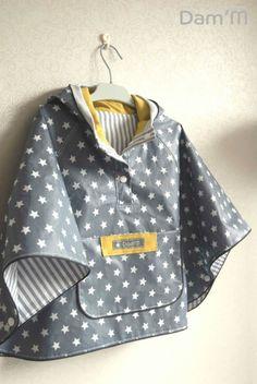 Coup de coeur couture : la cape de pluie de Marguerite