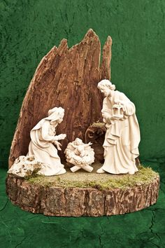 Root crib - Nativity Diy How to Make Christmas Grotto Ideas, Small Christmas Trees, Christmas Tree Decorations, Christmas Tree Ornaments, Christmas Crafts, Diy Nativity, Special Rangoli, Art Deco Bedroom, Tree Quilt