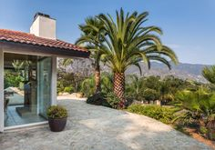 1542 Hillcrest Road   Santa Barbara Real Estate
