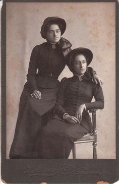 SALVATION ARMY SISTERS IN CHICAGO, ILLINOIS