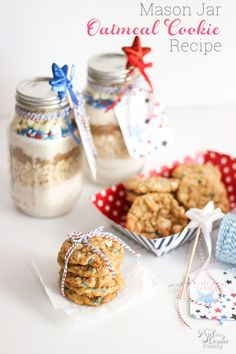 Make this delicious and cute of July oatmeal cookie recipe in a mason jar! So cute and yummy! Perfect gift idea or dessert recipe. Oatmeal Cookie Recipes, Oatmeal Cookies, Fourth Of July Crafts For Kids, 4th Of July, Best Dessert Recipes, Easy Desserts, Jar Recipes, How To Make Homemade, Homemade Gifts