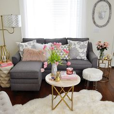 """Who else has spring fever? I can't wait for warmer weather and longer days.  To help you jump start your spring decorating I've teamed up with some  amazingly talented bloggers/designers for 14 ideas to style your home for  spring! Stick with me on this """"blog hop"""" and you will definitel"""
