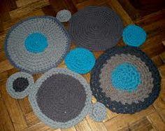 alfombras de trapillo Beautiful Crochet, Doilies, Knit Crochet, Projects To Try, Kids Rugs, Diy Crafts, Blanket, Knitting, Handmade