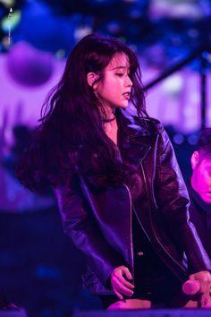 "IU 171203 ""Palette"" Concert in Cheongju Iu Fashion, Korean Fashion, Korean Girl, Asian Girl, Oppa Gangnam Style, Soyeon, Korean Celebrities, Korean Actresses, Ulzzang Girl"