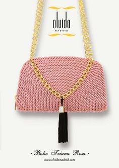 ● Olvido Madrid // Bolso Triana rosa hecho en cordón de seda. Pin it!