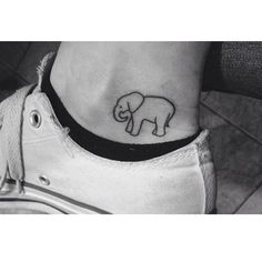 cool New Top 100 small tattoo | Cute elephant #tattoo on @taylorr_houstonn! Check more at http://4develop.com.ua/new-top-100-small-tattoo/