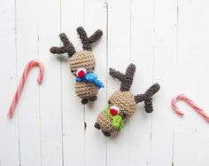 These Amigurumi Rudolph Christmas would be a great project for Vanna's Palettes. Make them for stocking tags or window decorations. Check out the pattern by @ltblogged