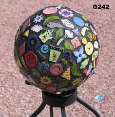 10 Gazing Ball Sphere Made with all Handmade Tiles Mosaic for your Yard Bowling Ball Crafts, Bowling Ball Garden, Mosaic Bowling Ball, Bowling Ball Art, Garden Spheres, Garden Balls, Mosaic Crafts, Mosaic Projects, Concrete Projects