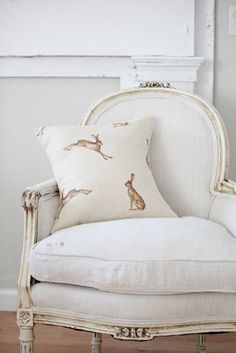 P E O N Y & S A G E: PEONY & SAGE Fabrics Designed by Kimberley Bell. Beautiful vintage inspired linens and tweeds available by the meter. Please visit www.peonyandsage.com Email: sales@kb-interiors.co.uk