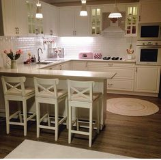 Esra lady's nostalgic breezes, the identity of the heartwarming house . - Mutfak - Home Sweet Home Home Decor Kitchen, Country Kitchen, Kitchen Interior, Home Kitchens, Bar Kitchen, Kitchen White, Kitchen Layout, Küchen Design, House Design