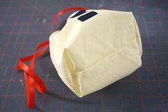Flat bottom drawstring bag