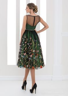 White Lady - colectia de rochii de seara 2016 Floral Frocks, Mob Dresses, Look Chic, Casual Looks, Prom, Fancy, Black And White, How To Wear, Wedding