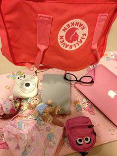 投稿《What's in your Kånken bag ?! 》徵件活動-by hH 款式: Kånken classic桃粉紅  說明: 相信粉紅!!