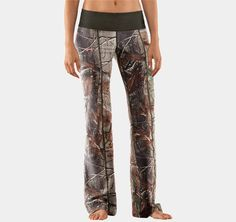 camo yoga pants, why do i not have these yet??