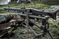 MG-42.
