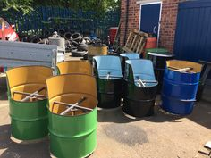 Tire Furniture, Barrel Furniture, Diy Furniture Easy, Backyard Furniture, Barrel Chair, Drum Seat, Drum Chair, Drum Table, Fire Pit Bbq
