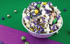 Get your Mardi Gras Party poppin' with this easy and festive treat! Chocolate Melting Wafers, Chocolate Covered, Easy Thanksgiving Crafts, Purple Food, Microwave Bowls, Gift Card Balance, Serving Others, Mardi Gras Party, Food Dye