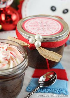 PEPPERMINT CUPCAKES baked right in the jar. Recipe and tutorial for striped frosting. Great for gifts!