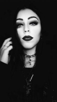Alternative Model   GOTH STYLE   Lady_Boleyn