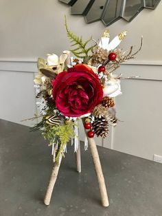 Rustic Christmas, Christmas Diy, Christmas Wreaths, Christmas Decorations, Holiday Decor, Faux Flowers, Paper Flowers, Enchanted Forest Decorations, Flower Decorations