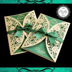 Hermosa Invitación de 15 Años troquelada con tonos Beige y Verde Turquesa diseño exclusivo para nuestra agasajada Romina Muchas Felicidades a esta Hermosa Princesa..! ✉ Para Pedidos: romantiquetarjeteria@gmail.com; WhatsApp: +584248469243,