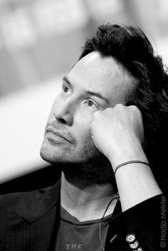 +++ I know nothing with any certainty. But the sight of the stars makes me dream. Vincent Van Gogh +++ (chicfoo) keanu