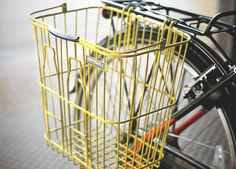 Approved by our editors, these stylish, functional, fun baskets will hold everything from Chimay to Chihuahuas. Rear Bike Basket, Rear Bike Rack, Bike Baskets, Bicycle Basket, Bicycle Wheel, Cool Bicycles, Cool Bikes, Bicycling Magazine, Mountain Bike Shoes