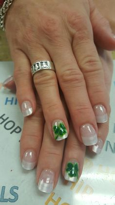 Clover with pearl tils