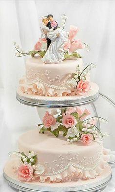 Hochzeitstorten elegant hermosa y deliciosa torta wedding cakes cakes elegant cakes rustic cakes simple cakes unique cakes with flowers Pretty Wedding Cakes, Amazing Wedding Cakes, White Wedding Cakes, Elegant Wedding Cakes, Wedding Cake Designs, Pretty Cakes, Wedding Cake Toppers, Beautiful Cakes, Wedding Cupcakes